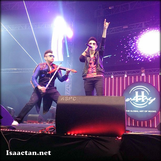 Electronic violin maestro Dennis Lau wowing the party people @ H-Artistry Penang 2013