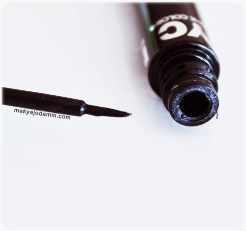 siyah eyeliner