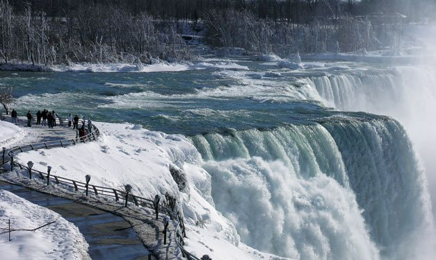 Planning a Memorable Holiday in Niagara Falls