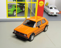 Kyosho Original Volkswagen Golf GTI orange