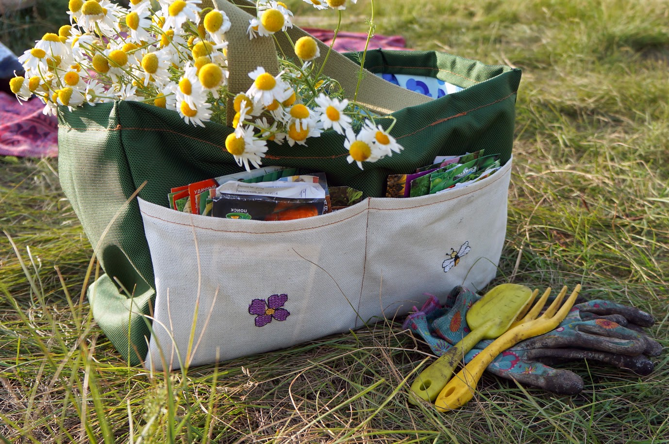 садовая сумка с вышивкой
