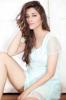 Actress Madhurima Exposes Thunder Thigh Photo Gallery