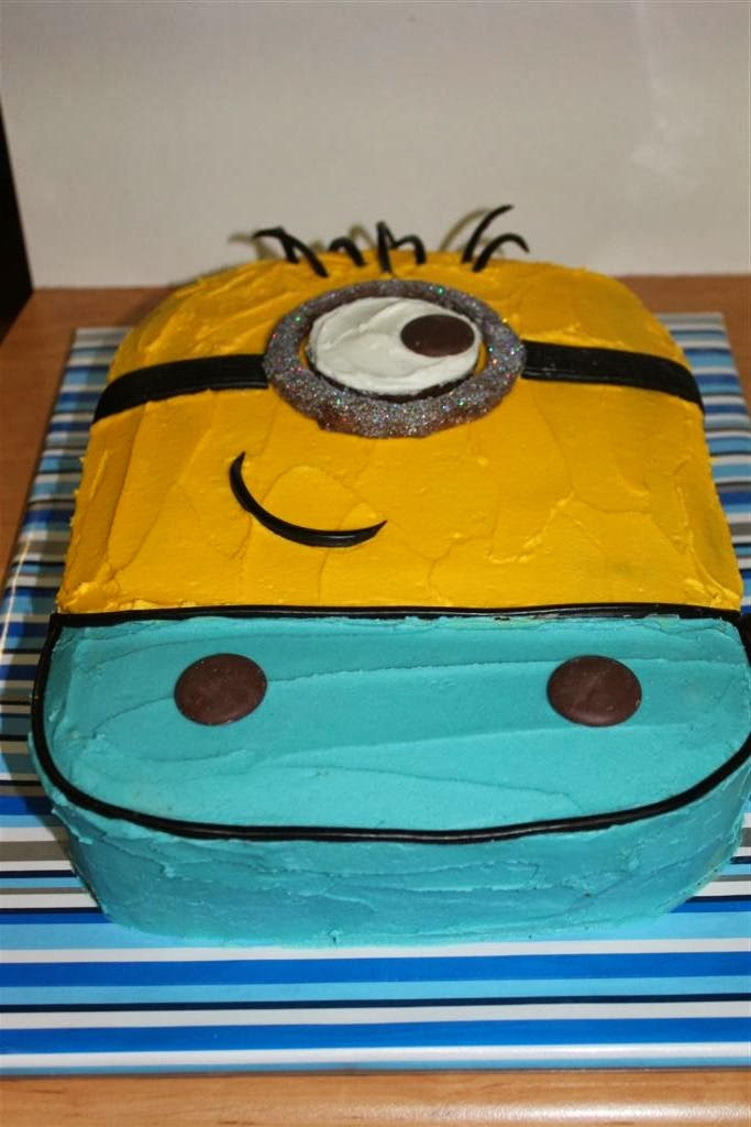 Easy Minion Cake Images : Thimbelina: Minion Cake