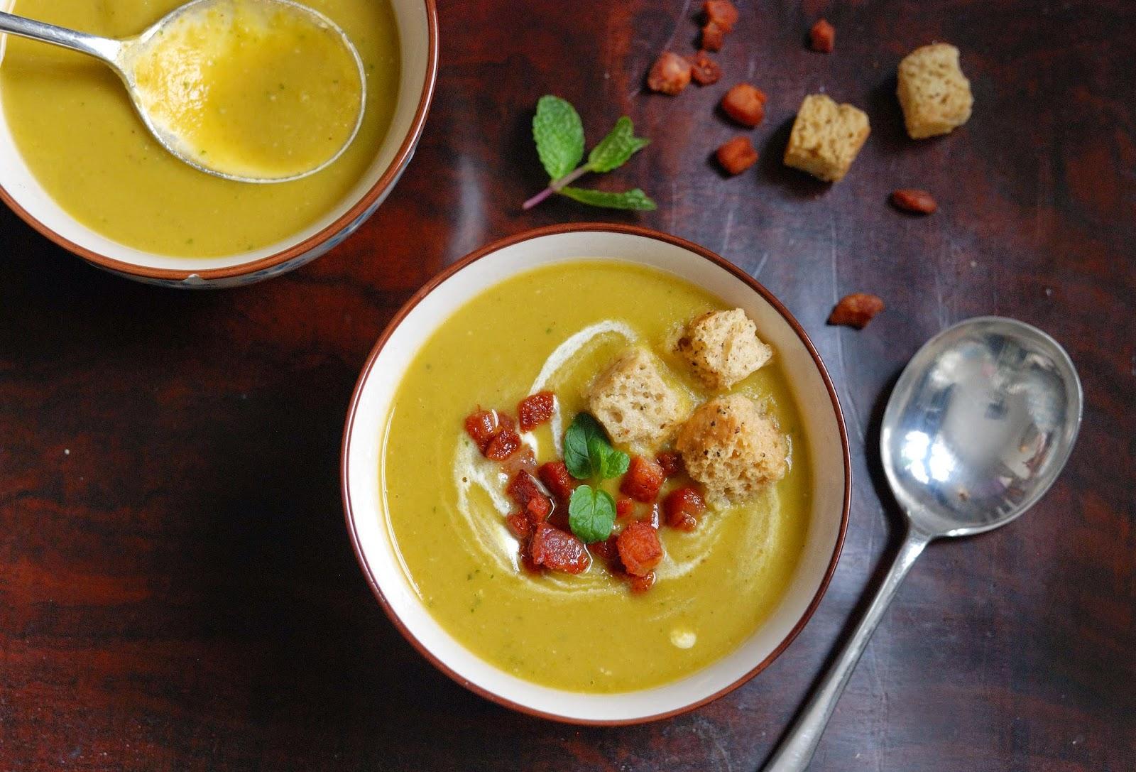recette de soupe de pois au lard et à la menthe