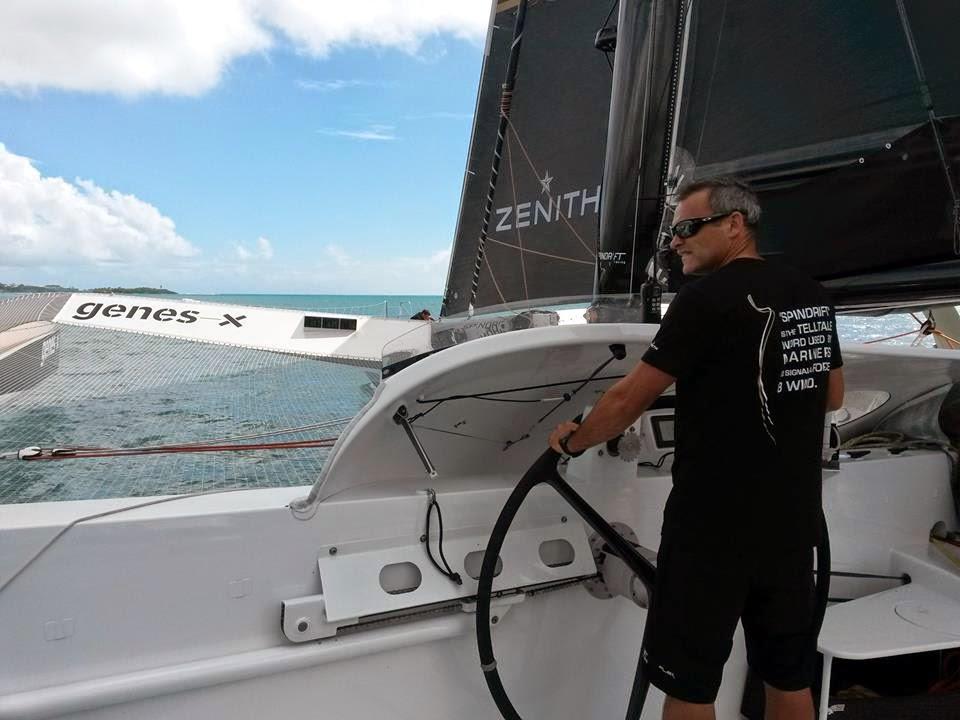 Yann Guichard et Spindrift 2 en route pour La Trinité.