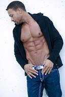 WBFF Fitness Model - Justin Pierce