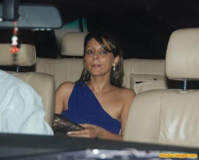 Gauri Khan arrives for the Filmfare Awards at Yash Raj Studio Mumbai_FilmyFun.blogspot.com