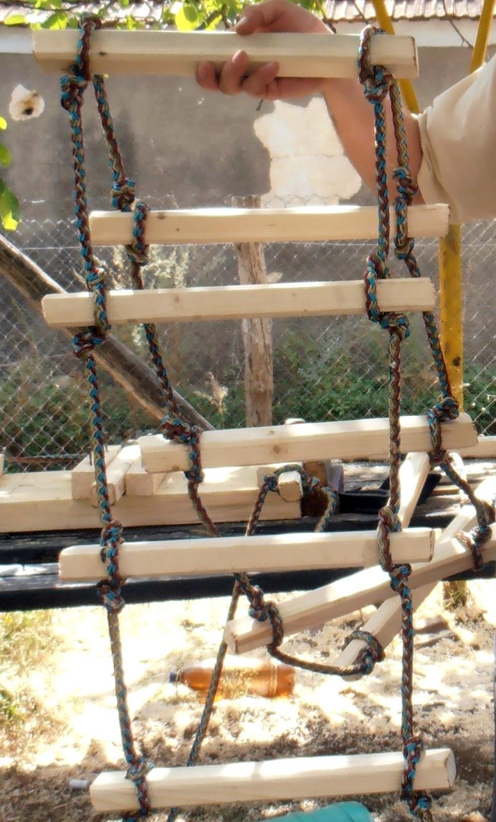 Как сделать лестницу колодец руками