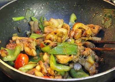 Fried Chicken with Vegetables - Gà Xào Cung Bửu