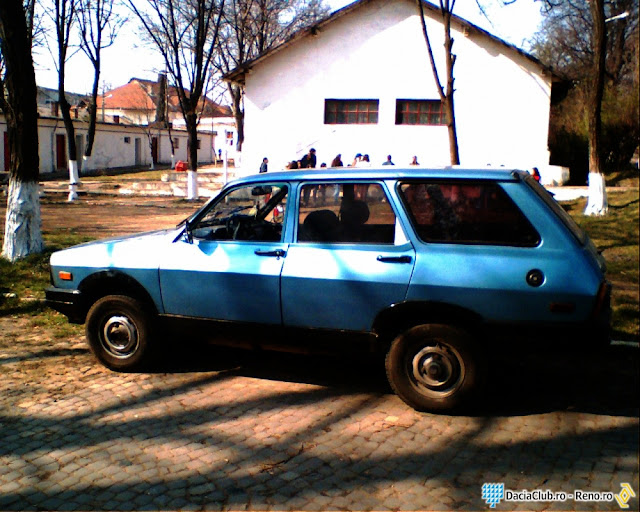Romanian Car Aro 12 side view