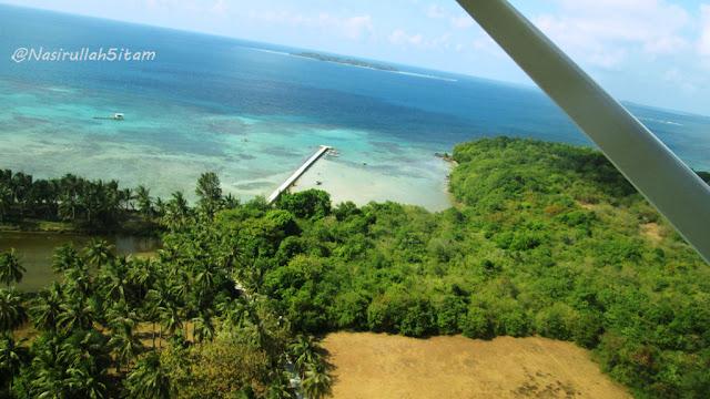 Pemandangan dari atas pesawat