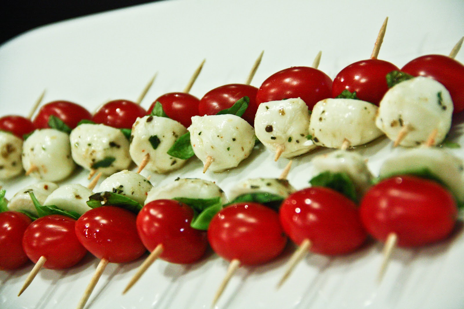 CAPRESE SALAD STICKS w/BALSAMIC REDUCTION DRIZZLE: (gluten-free ...