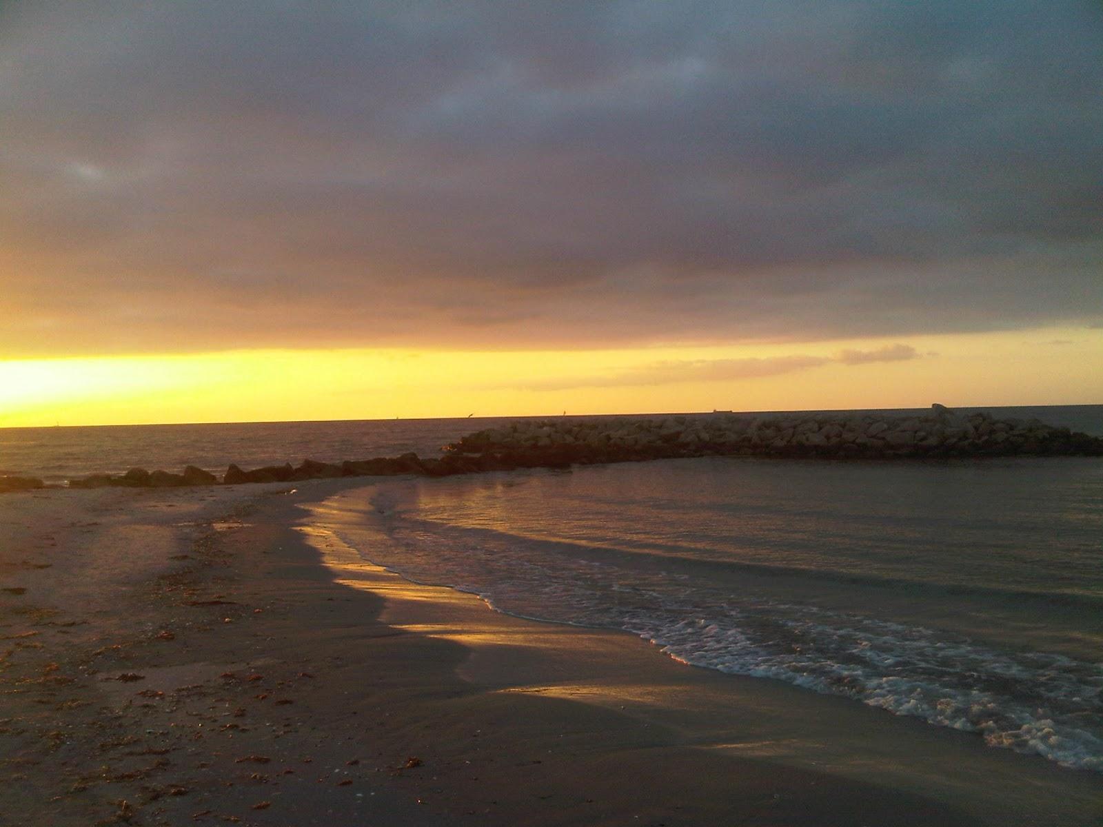 Strand von Kalifornien bei Sonnenuntergang