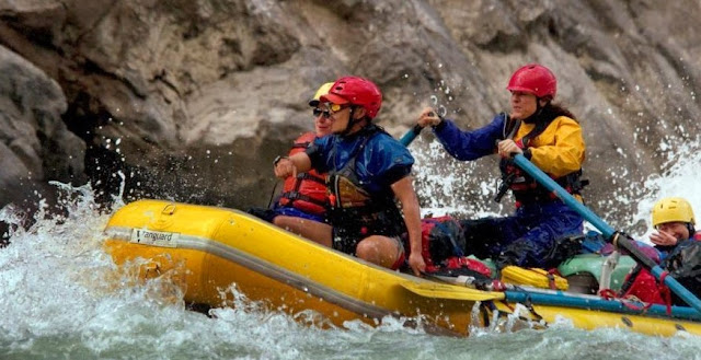 Rafting-in-Yangtze_River