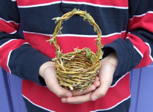 Make a Little Willow Basket