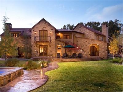 Dise o de casas fachadas de viviendas fotos e ideas de for Fachada casa clasica