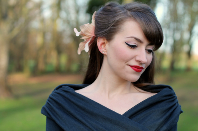 Neckline of Collectif Celina knitted top