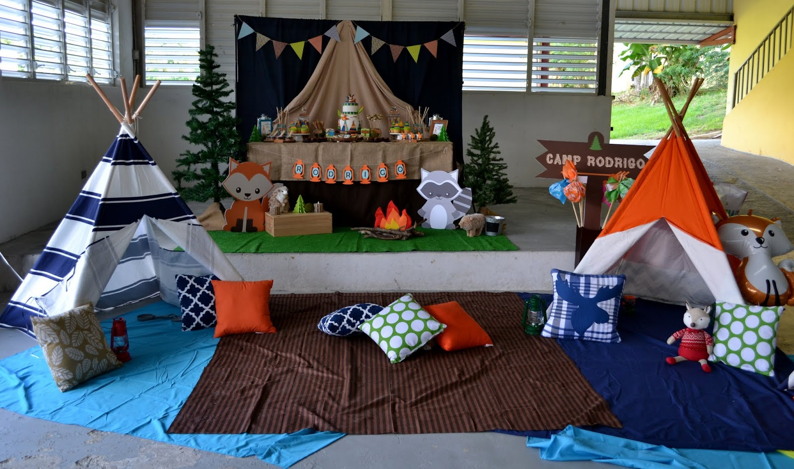 Partylicious events pr woodland camping birthday for Camping room decor