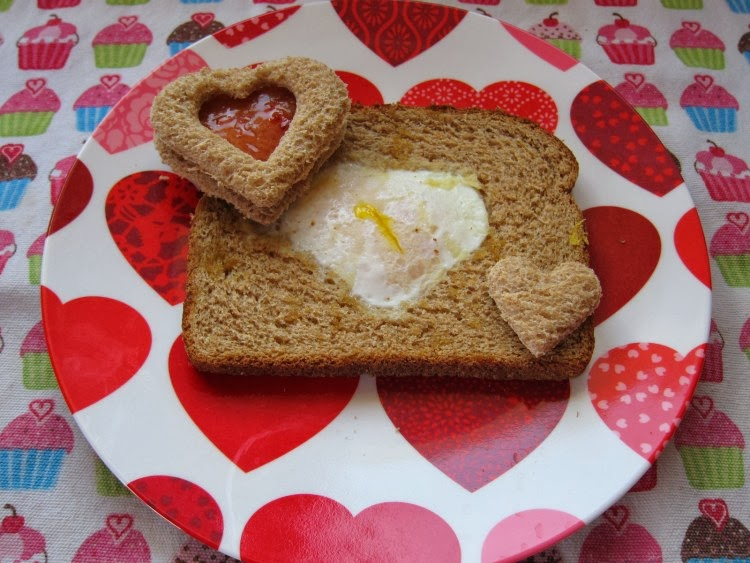 http://saucymommy.wordpress.com/2012/01/30/fun-easy-valentines-day-breakfast/