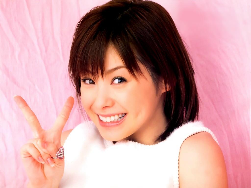 http://2.bp.blogspot.com/-KB5GgK4Uuhc/USpbEABkIOI/AAAAAAAAEEw/x-OHpBCIQVA/s1600/Aya+Matsuura.jpg