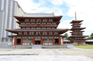 Kon-do; Main Hall (M), Sai-to; West Pagoda (Rt), To-to; East Pagoda (Lt) is under restoration work.