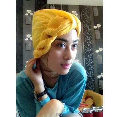 Kreasi Hijab Turban dengan Menggunakan Scarf Segiempat