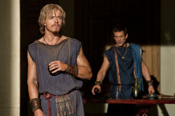 Todd Lasance es Julios Caesar en Spartacus War of Dammed 3x02