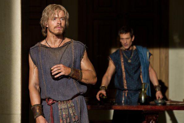 Todd Lasance es Julios Caesar en Spartacus War of Dammed 3x02