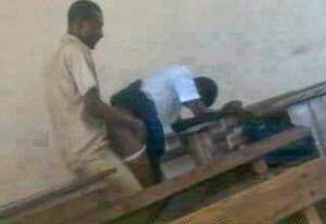 RUBBISH!!! Secondary School Teacher Caught Having Sex With Student ...: newsrtime.blogspot.com/2013/10/total-rubbish-secondary-school...