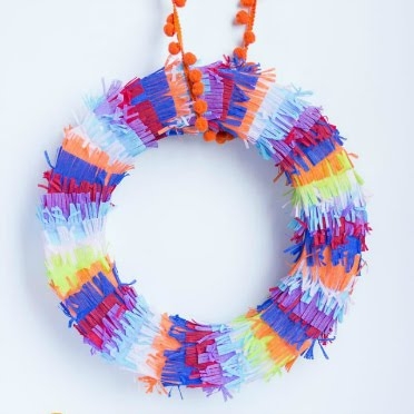 DIY Piñata Wreath - made with party streamers