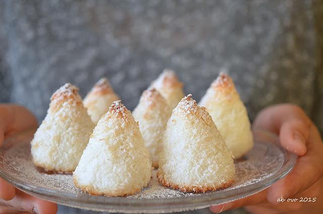 alberelli-al-cocco-coconut-macaroon-trees