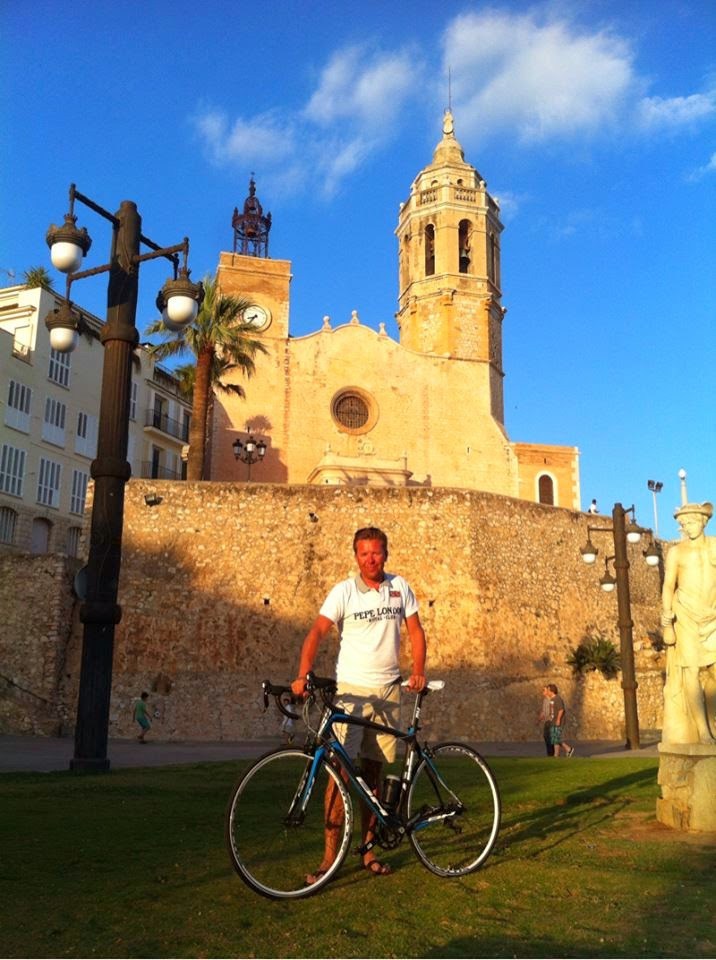Road bike rental in Sitges