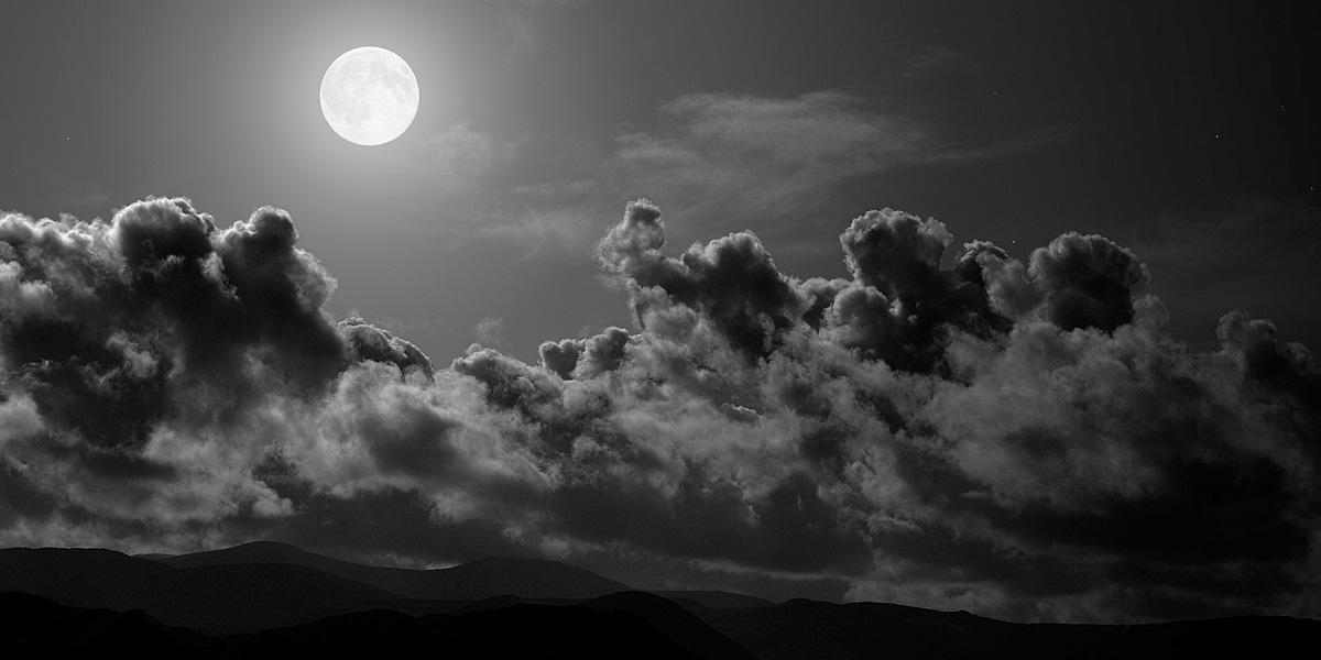 Moon 300+ Muhteşem HD Twitter Kapak Fotoğrafları