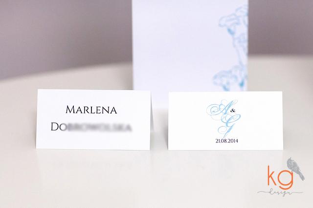 peonie, Tiffany blue, oryginalne, zaproszenie ślubne, minimalistyczne, eleganckie, kwiatowe, niebieski, dodatki ślubne, winietki, menu, tabliczki, ozdobne tabliczki do ramek, keep calm and get married, zaproszenie z piwonią, niebieski, błekitny, wiązane wstążką, RSVP, mapka dojazdu, minimalistyczne, proste, białe, wyjatkowe, szykowne, zawieszki na alkohol, menu, winietki, wizytówki, tablica rejestracyjna do roweru, tablice rejestracyjne do auta na wesele, numery stołów, dodatkowa wkładka, kolor tiffany blue, papeteria slubna, oryginalne, nietypowe, wyjątkowe zaproszenia slubne, poligrafia slubna, KG Design, kolekcja zaproszen, kolekcja dodatków,