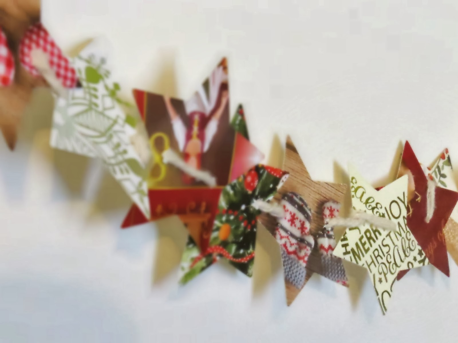 Star Chain - Christmas Card Recycling | Wheelingalong24