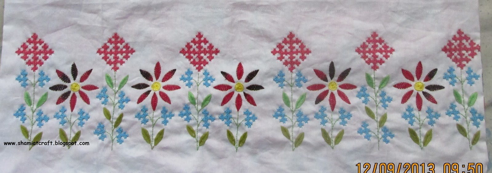 Embroidery work border makaroka