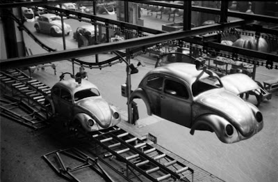 Keadaan Kilang Volkswagen Di German Pada Tahun 1951