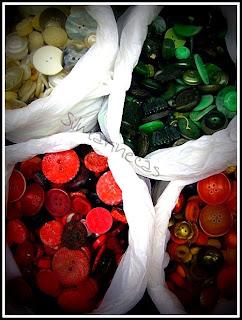 Botones de colores en la feria de desembalaje 2013 en el BEC-