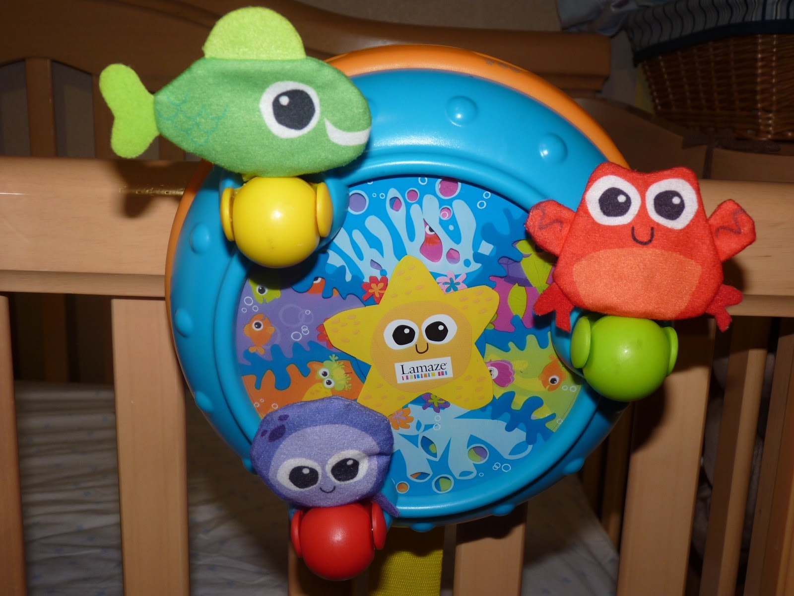 Growing Little Ones : Lots of Musical Crib Soother Reviews
