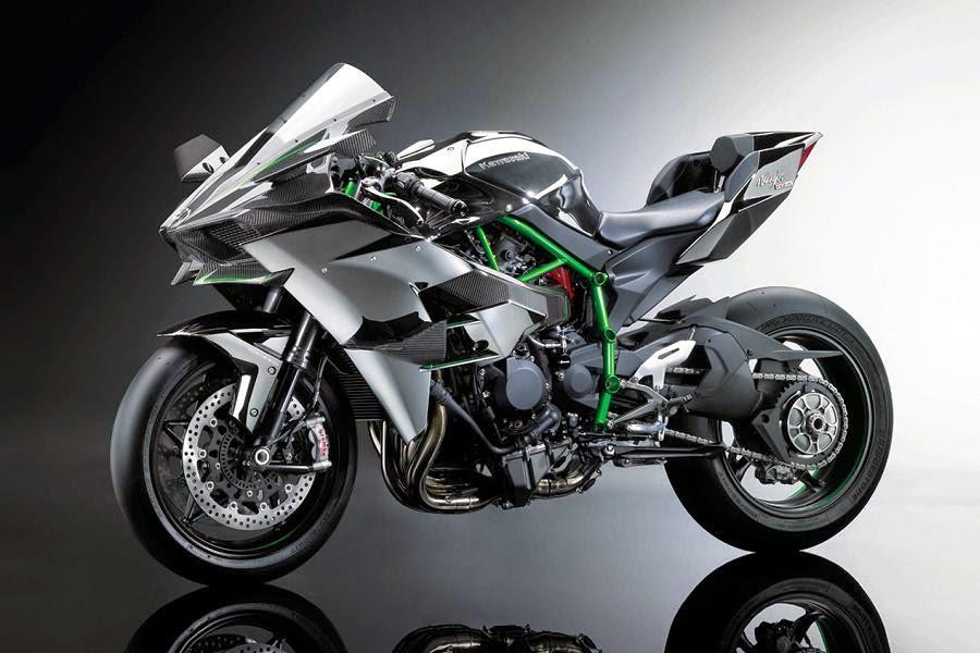 Kawasaki Ninja H2R (2015) Front Side