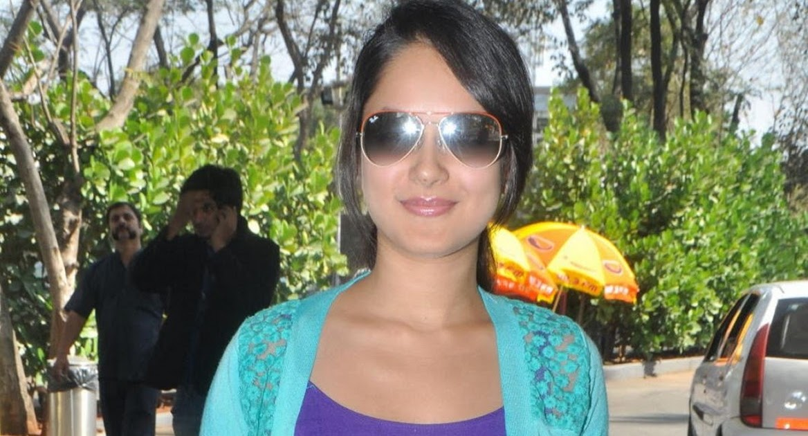 Pooja Bose In Jeans Tamil model and actres...