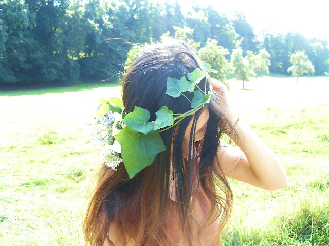 The Ivy Crown, leaf crown, William Carlos Williams, outfit, fashion blog, outfit of the day, belgium fashion blogger