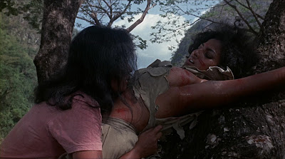 Pam Grier in Women in Cages