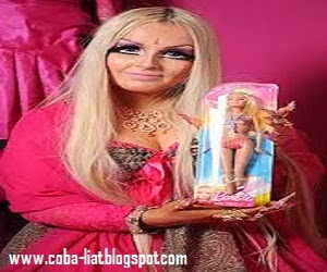 Demi mirip barbie