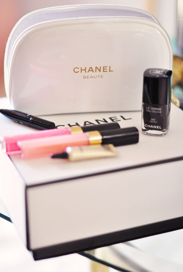 chanel beauty makeup gift set with cosmetic case