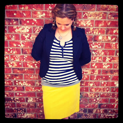 yellow pencil skirt outfit