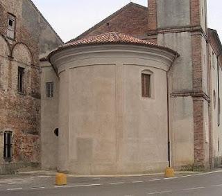 Abside parte integrante di una chiesa a forma semicircolare