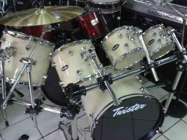 Jual alat musik drum twister td50 td550 dan x7 murah for Yamaha psr e423 for sale