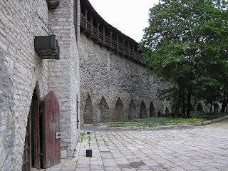 Таллиннская городская стена.Девичья Башня
