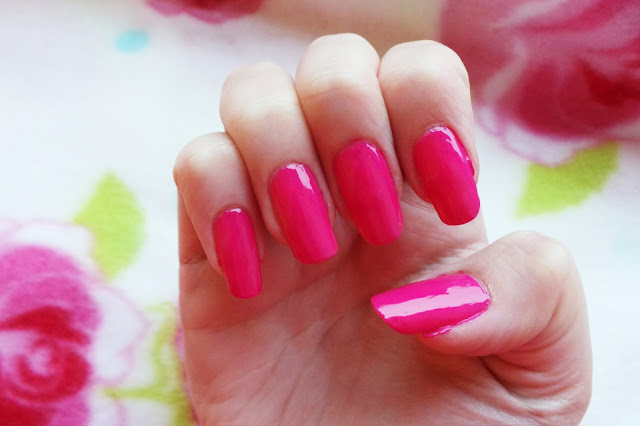 Review Results Swatches Nutra Nail Gel Perfect 5 Minute At Home Gel-Colour Manicure Shade Lotus